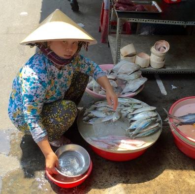 woman-wfish